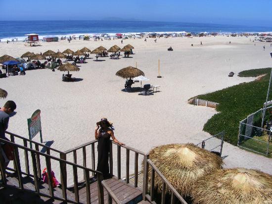 Rosarito Beach Hotel Bajando A La Playa Desde El