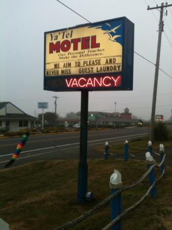 Ya'Tel Motel: The front sign