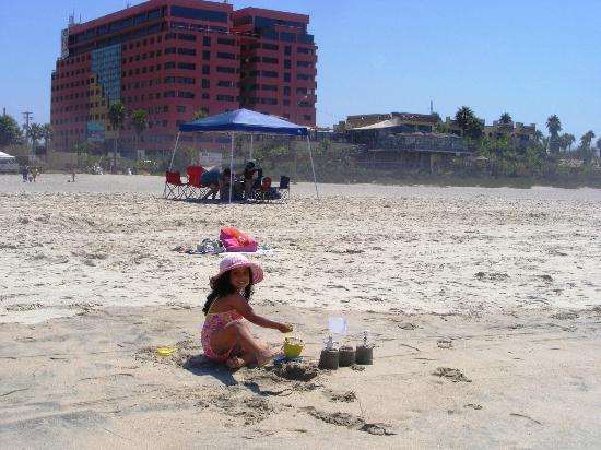 Hotel Corona Plaza Rosarito: En la playa detrás del Hotel Corona Plaza