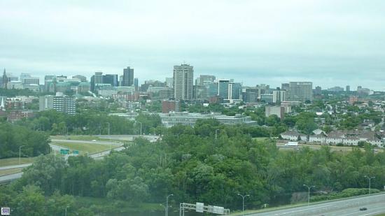 Hilton Lac-Leamy: Hotel Hilton e a vista para Ottawa