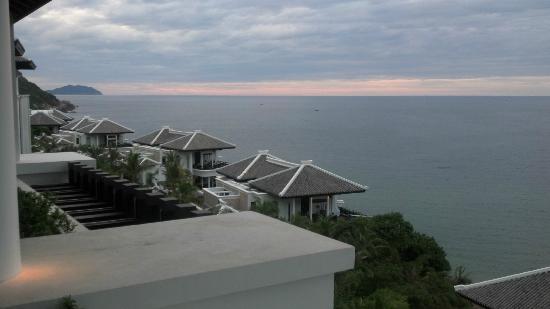 InterContinental Danang Sun Peninsula Resort: Sunset