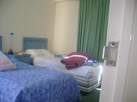 Surf Regency Apartments: second bedroom