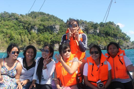 Grace Island Resort: picture taking on the boat
