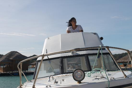 Grace Island Resort: free picture taking on their yacht