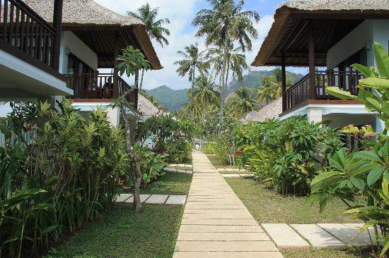 Living Asia Resort and Spa Lombok: rooms on two levels set in gardens
