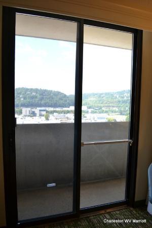 تشالرستون ماريوت تاون سنتر: View from 16th floor - half obstructed, balcony access blocked by bar