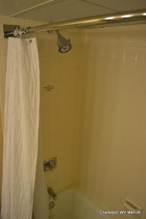 Charleston Marriott Town Center: Nice clean bathrooms and showerheads