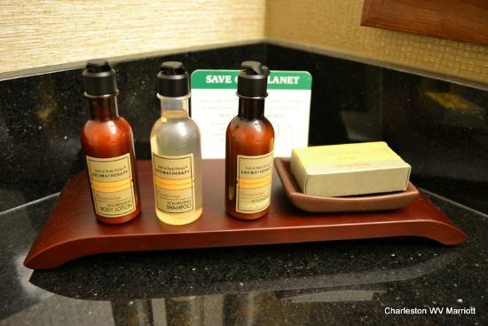 تشالرستون ماريوت تاون سنتر: Bath and Body works items (we miss Aveda products)