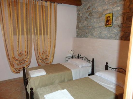 Casa Vacanze Caccamo: camera da letto