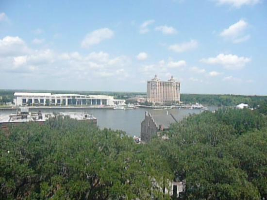 Holiday Inn Express Savannah-Historic District: View from my room