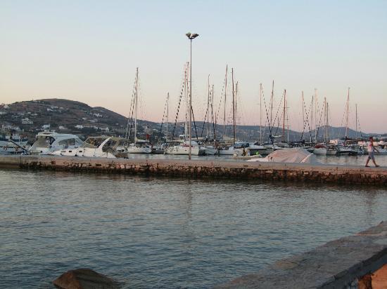Minois Village: Port