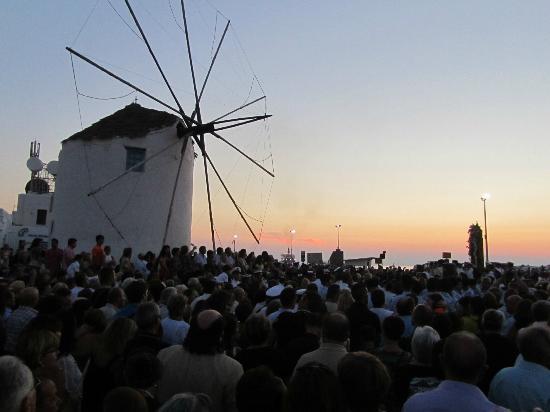 Minois Village: Paraikia port view of the Windmill