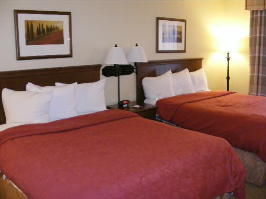 Country Inn & Suites By Carlson, Fargo: Two beds