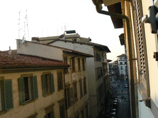 Hotel Toscana: View on Via del Sole, 8