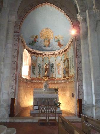 Chateau St Jacques Calon: Church @ Montagne