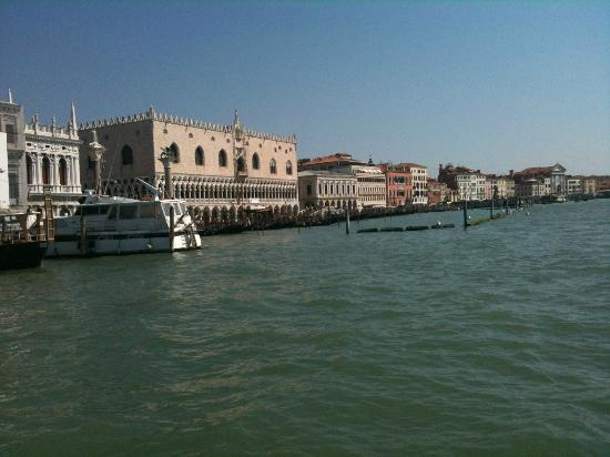 canal grande san marco. Black Bedroom Furniture Sets. Home Design Ideas