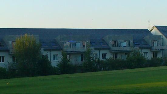 Résidence Le Royal : vue de la residence depuis le golf