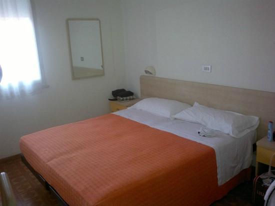 Santo Stefano Inn : camera albergo s.stefano