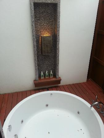 Veranda Resort and Spa Hua Hin Cha Am - MGallery Collection: The jacuzzi