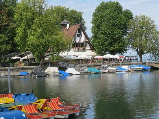 Wirtshaus am See: Right on the water