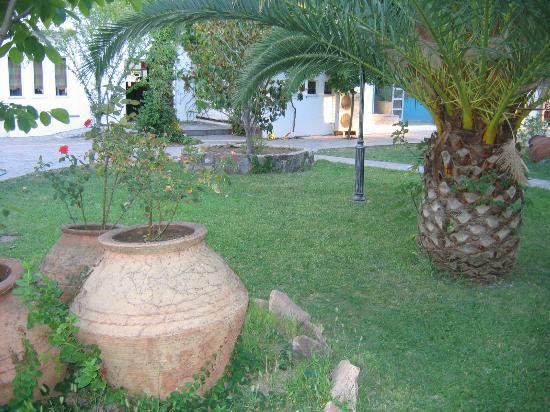 Malemi Organic Hotel: Garden