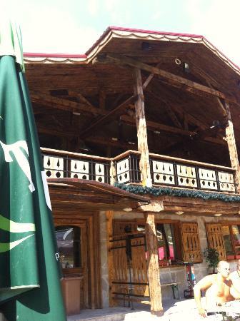 Apartment Complex Kandahar: gondola mountain restaurant...best loos in Bansko!