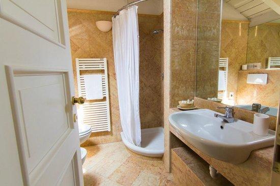 Colonne Hotel Restaurant Varese - Bagno Suites - Picture of Hotel ...