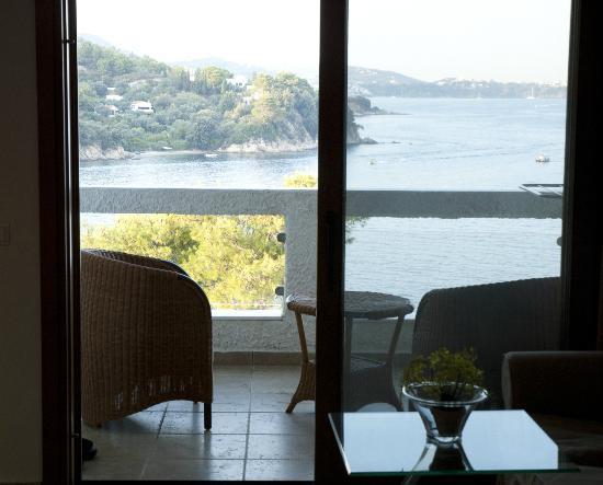 Cape Kanapitsa Hotel & Suites: Balcony