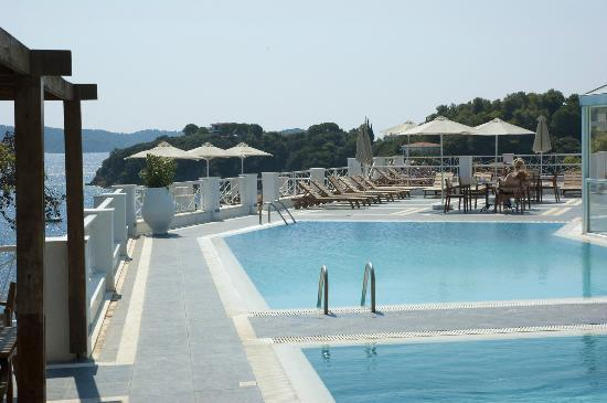 Cape Kanapitsa Hotel & Suites: Pool