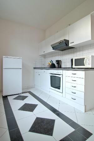 Appartment Klein: Important information  Hotel built in 1897, Last complete renovation 2004, Number of floors: 5,