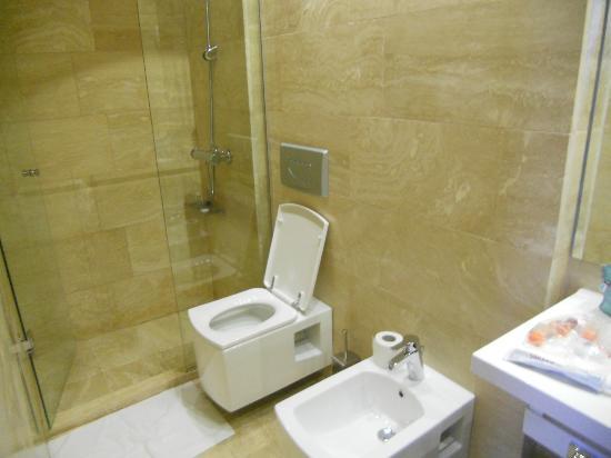 Hotel Kabu: bathroom
