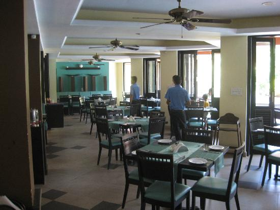 The Baga Marina Beach Resort & Hotel: Restaurant