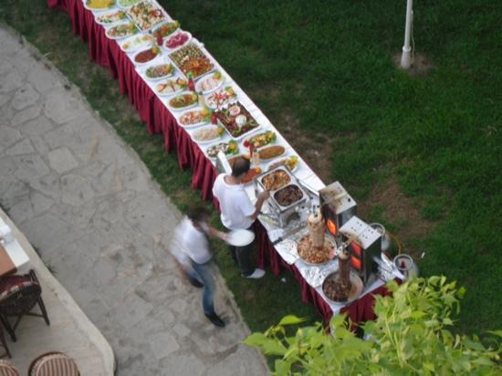 Melissa Garden Apart Otel: kebab night mmmmmm............