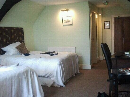 Guildhall Tavern Hotel & Restaurant:                   dudley suite two double beds :-)