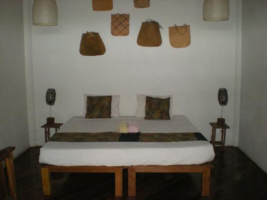 Villa Surya Abadi: chambre