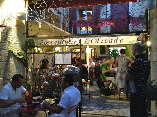 L'Olivade : outdoor seating