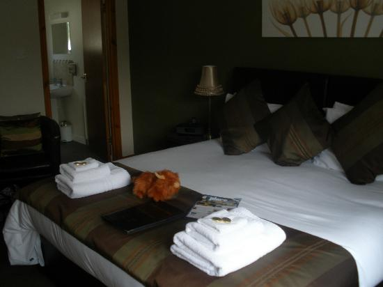 Avalon Guest House: large room, so beautifully decorated