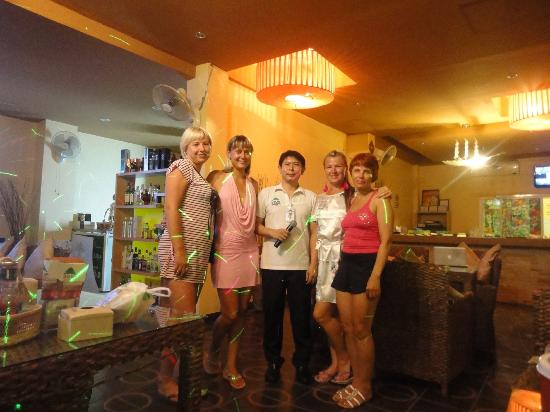 Dacha Beach: Вечер в уютном ресторанчике