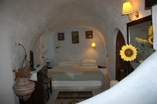Hotel Kavalari: Cama