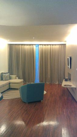 Hotel Baraquda Pattaya - MGallery by Sofitel: See how big it is!