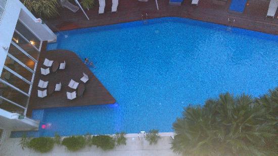 Hotel Baraquda Pattaya - MGallery by Sofitel: Great pool!