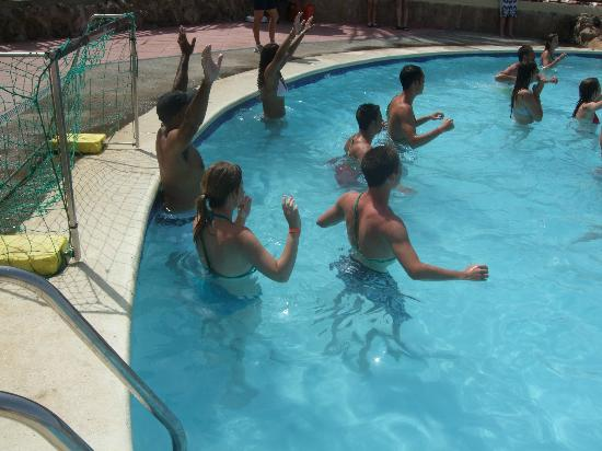 Fiesta Hotel Cala Nova : Water Polo (once a day)
