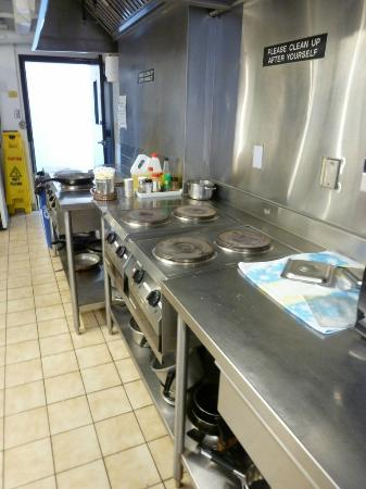 Hostelling International Vancouver Downtown : Kitchen