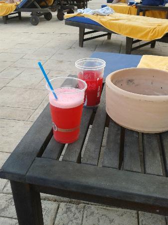 SENTIDO Mallorca Palace: Refrescandose