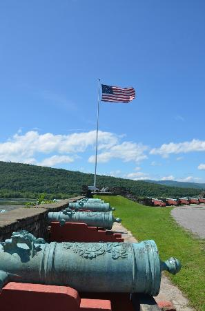 Fort Ticonderoga: Cannons at Fort Ti
