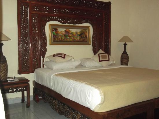 Jambu Inn : chambre