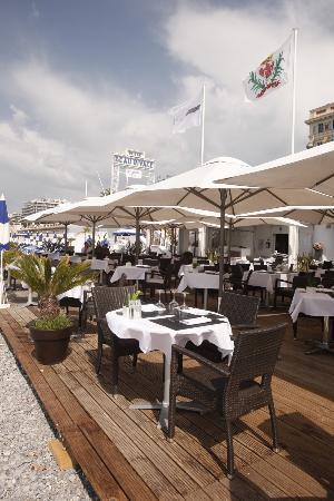 Restaurant plage beau rivage picture of plage beau for Au beau rivage la cuisine