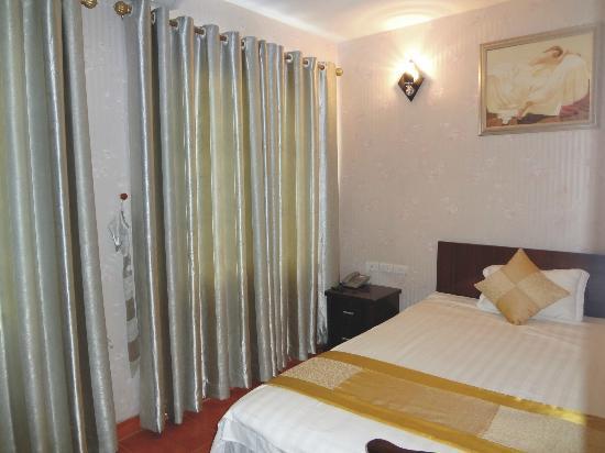 Apec Hotel 2: Single room