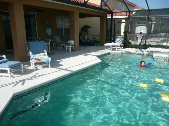 Aviana Resort Orlando: our private pool