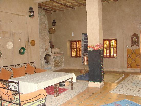 Guest House Merzouga: Salon